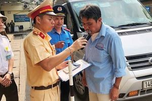 Hà Nội: Nhiều lái xe bị chấm dứt hợp đồng lao động do liên quan đến ma túy