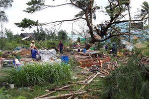 Mưa lớn và lốc xoáy làm hư hỏng hơn 90 căn nhà tại huyện Tánh Linh