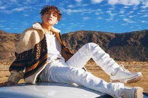 Học Sơn Tùng M-TP phối đồ với giày sneaker cực chất trong MV 'Hãy trao cho anh'
