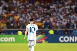 Thống kê bất ngờ chỉ ra vai trò 'bị bông' hứng lỗi của Messi cho tuyển Argentina