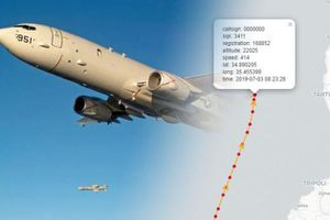 Máy bay quân sự Mỹ tắt bộ tiếp sóng khi bay gần căn cứ quân sự Nga