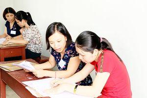 Chấm thi THPT quốc gia: Môn ngữ văn ít bài điểm cao