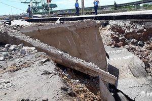 Những hình ảnh mới nhất vụ sập mặt đường khiến cặp vợ chồng tử vong ở Thanh Hóa