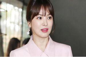 Song Hye Kyo vẫn miệt mài làm việc bất chấp 'bão' scandal ly hôn
