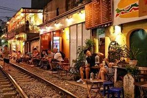 Cà phê đường tàu: An toàn đường sắt có bị 'lãng quên'?