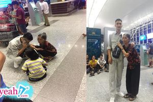 Xúc động khoảnh khác người bà nắm tay cháu trai không rời, chỉ muốn tâm sự mãi trước giờ lên máy bay đi nước ngoài làm việc