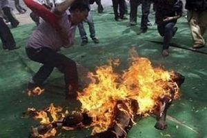 Nam Định: Nghịch tử tưới xăng châm lửa thiêu bố