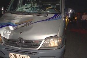 Ôtô 16 chỗ tông chết người trên quốc lộ 1