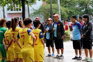 'ĐT nữ Việt Nam có sự cạnh tranh ngầm với ĐT nam Việt Nam'