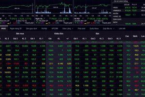 Chứng khoán tăng mạnh trong phiên 4/7, Vingroup tỏa sáng, cổ phiếu dệt may mất phong độ