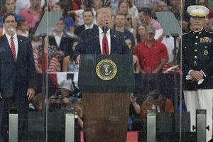 Ông Trump khoe về 'chiến thần' F-22 dịp quốc khánh khiến giới chuyên gia bật cười