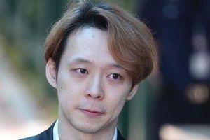 Park Yoo Chun bị chỉ trích vì sống vui vẻ sau tai tiếng
