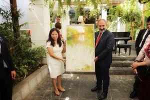 Thủ tướng Armenia thưởng thức ẩm thực Việt Nam