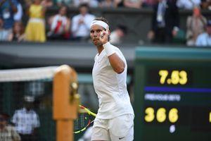 Wimbledon: Nadal 'hoàn lễ' Kyrgios bằng chiến thắng kịch tính sau 4 ván đấu, Federer thắng trận 96