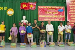BĐBP Bình Thuận: Tặng quà gia đình chính sách, hộ nghèo tại xã Sông Lũy