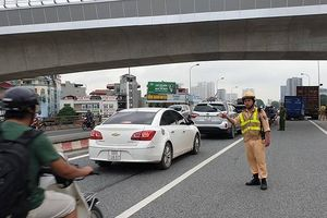 Hà Nội: Danh tính nạn nhân tử vong trong vụ tai nạn trên cầu vượt Mai Dịch