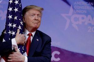 Ông Trump hứa sẽ cắm cờ Mỹ trên sao Hỏa