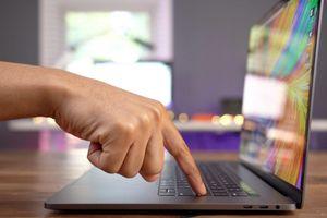 Bàn phím cánh bướm đầy lỗi, Apple đổi sang dạng cắt kéo cho MacBook