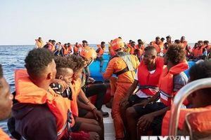 Hàng chục người di cư được giải cứu ở ngoài khơi bờ biển Libya