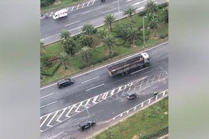 'Coi trời bằng vung', xe tải hạng nặng lại đi lùi trên Đại lộ Thăng Long