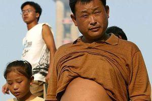 Trung Quốc cấm đàn ông cởi trần 'hở bụng, lòi rốn' ở nơi công cộng