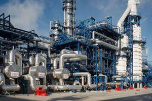 Gazprom Neft nâng cao năng lực sản xuất nhiên liệu có trị số octan cao