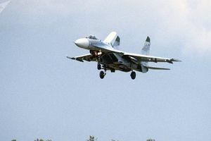 Nga điều tiêm kích Su-27 chặn máy bay do thám Mỹ tiến sát không phận
