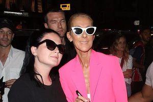 Celine Dion gầy gò đi dự sự kiện với bộ suit hồng rực rỡ