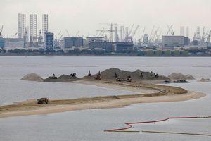 Bị 'tố' cắt xuất khẩu cát ngăn Singapore lấn biển, Malaysia đáp trả