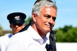Mourinho từ chối lương khủng ở Trung Quốc, Công Phượng tự tin gia nhập Sint Truiden