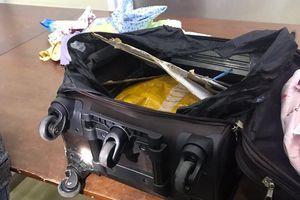 Bắt 'nữ quái' vận chuyển 7kg ma túy đá qua biên giới