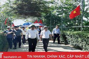 Đoàn Cục Thi đua - Khen thưởng Lào tham quan nông thôn mới Hà Tĩnh