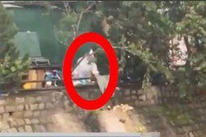 Lâm Đồng: Xử phạt 6 triệu đồng người đổ rác xuống suối Cam Ly