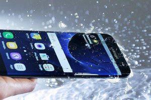 Điện thoại Samsung có thực sự chống nước giống như quảng cáo?