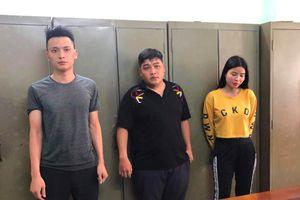 Kiểm tra nhà trọ, phát hiện hơn 1.000 con dao tự chế nhập lậu từ Trung Quốc