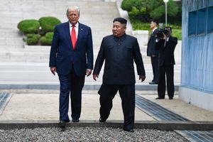 Tổng thống Trump và cuộc đối đầu quyết liệt không ngừng với báo chí