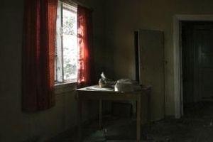 Thi thể nữ tiếp viên trong nhà hoang: Người tình hào hoa