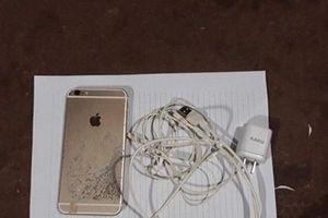 Lạng Sơn: Nam thanh niên tử vong vì sử dụng điện thoại lúc đang sạc pin