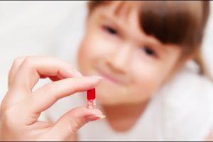 Có nên tự mua thuốc mỗi khi con ốm?