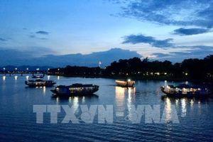 Vẻ đẹp quyến rũ của sông Hương và cầu Trường Tiền