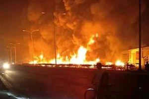 Cháy xe bồn làm hàng chục người thương vong