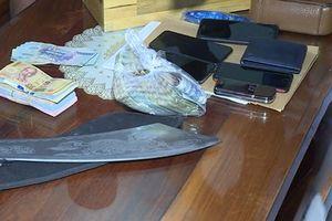Đắk Lắk: Cảnh sát đột kích nhiều điểm đánh bạc trong đêm