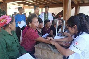 Nghệ An: Hơn 300 người dân vùng biên giới được khám bệnh, cấp phát thuốc miễn phí