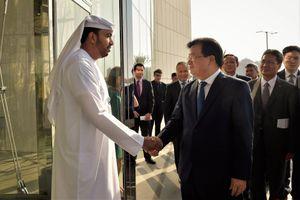 Phó Thủ tướng Trịnh Đình Dũng thăm, làm việc tại UAE