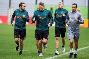 De Ligt tập với Ajax dù đã thỏa thuận với Juventus