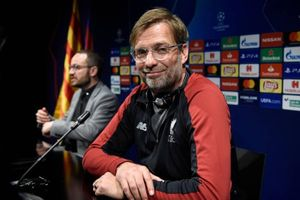 MU chê sao 100 triệu euro, Liverpool gia hạn Klopp