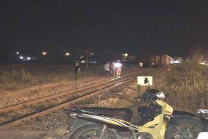 Người đàn ông nằm giữa đường ray bị tàu tông tử vong ở Quảng Nam