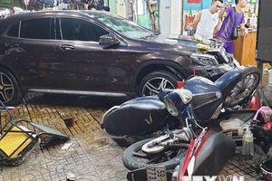 TP.HCM điều tra nguyên nhân vụ nữ tài xế lái GLA đâm nhiều xe máy