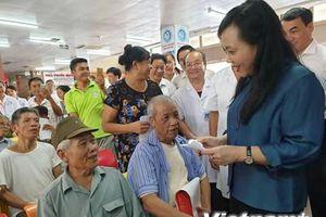 Bộ trưởng Bộ Y tế: Bệnh viện tuyến tỉnh liệu có 'tham bát bỏ mâm'?