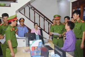 Khởi tố vụ án liên quan đến 'ông trùm' vận tải, cát sỏi ở Thừa Thiên Huế